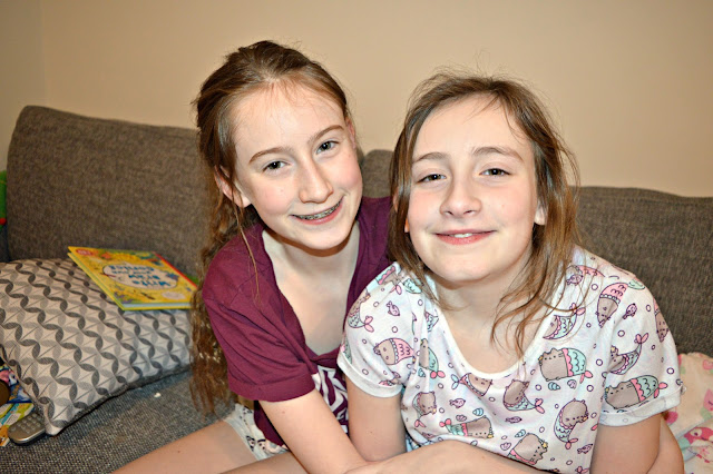 Stephs Two Girls Siblings January 2018
