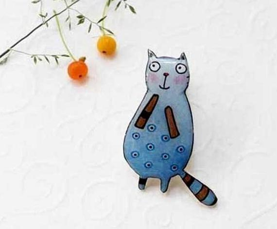Dinabijushop's polymer clay and resin pin blue cat