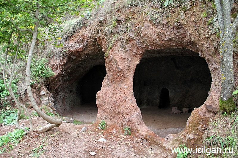 Пещерный город Хндзореск. Армения