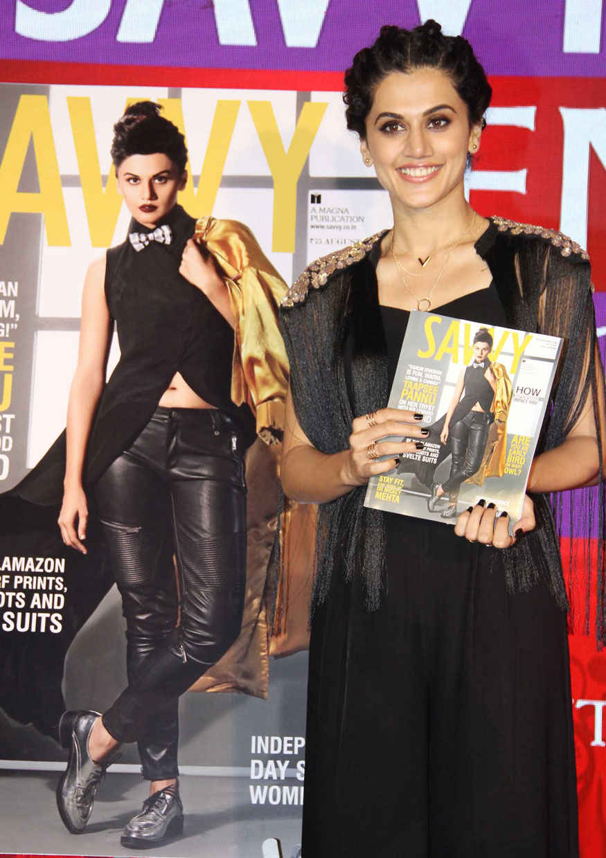 Taapsee Pannu, Daisy Shah at Savvy Excellence Awards 2017 Stills