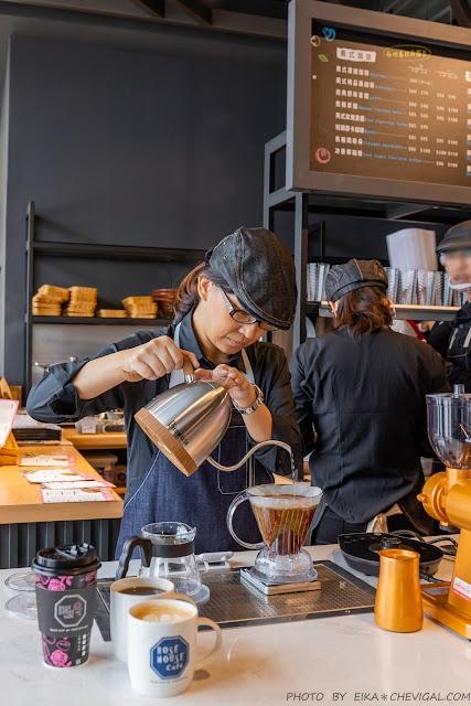 MG 8563 - 熱血採訪│台中最新180度海景咖啡,下午時刻人潮多,舒芙蕾要等半小時的ROSE HOUSE CAFE