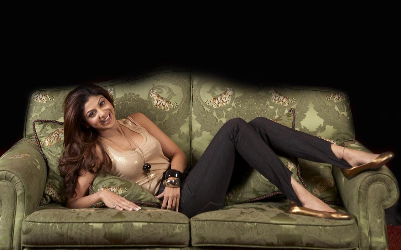 Shilpa Shetty Bed Scene Hot