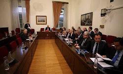 sta-8-ek-eyrw-oi-daneiakes-ofeiles-toy-syriza