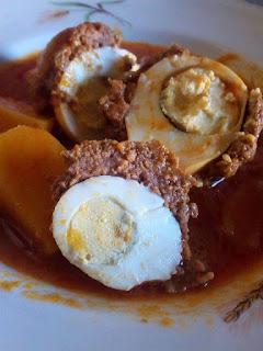Recette de 3in Sbanyouriya à la sauce tomate