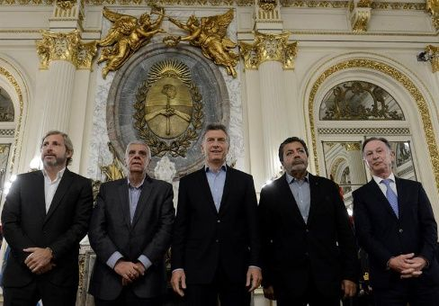 "Ante paro nacional, Macri pide meter presos a ""mafiosos"""