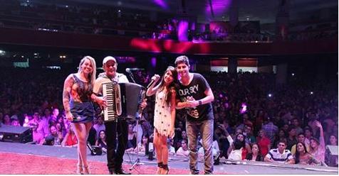 Banda Mastruz com Leite faz apelo em música para que vaquejada não acabe no Ceará