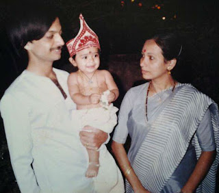 Radhika Pandit childhood photo with parents