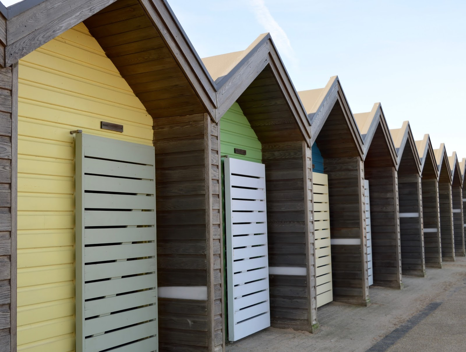 A Trip to Blyth Beach | How to Hire Beach Huts, Bus Information & Coastline Fish & Chips | Beach hut close up