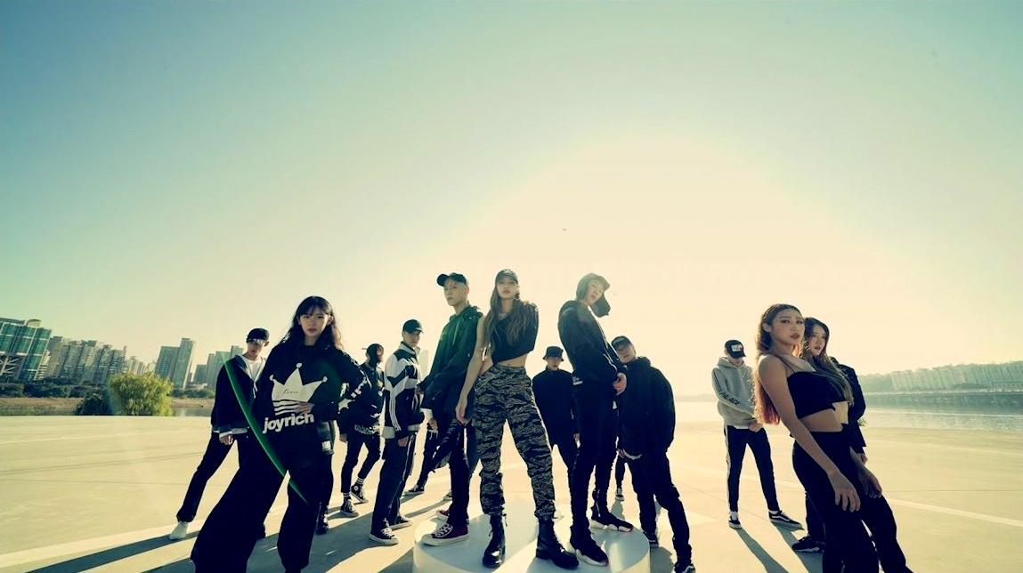WINNER's Seunghoon, iKON's Donghyuk and Black Pink's Lisa Collaboration at 'X Academy' Teaser