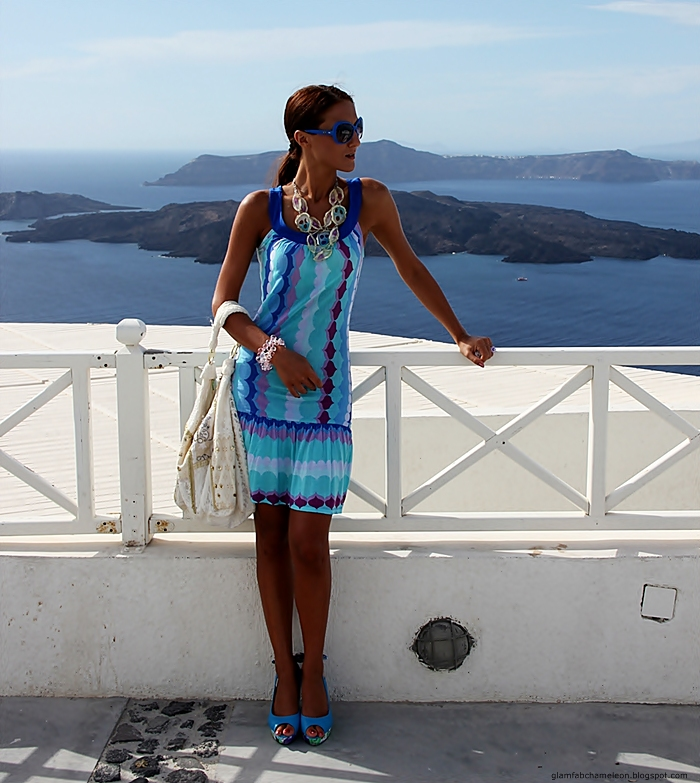 total blue turquoise summer looks and outfits, blue dress shoes sunglasses