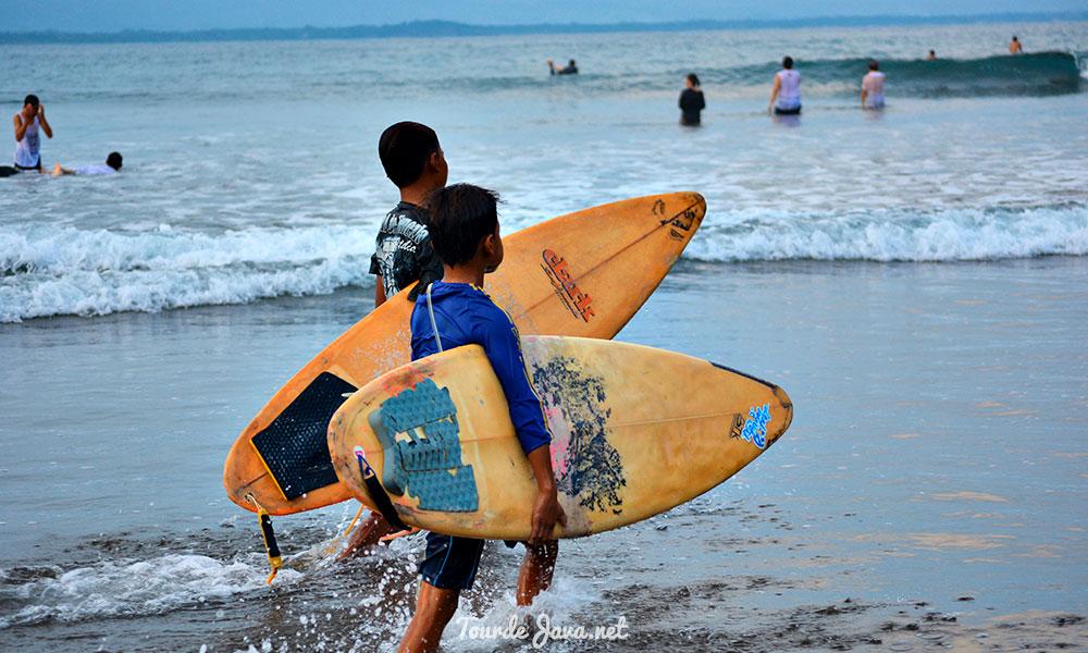 pantai surfing batu karas pangandaran