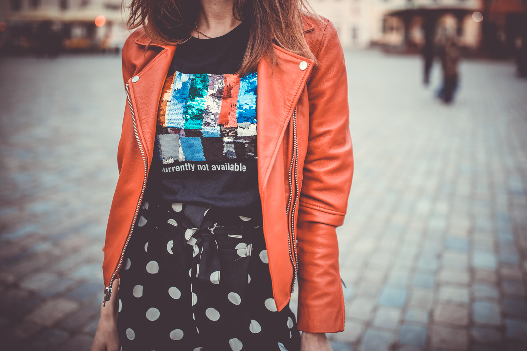 stradivarius glitter tshirt red leather jacket outfit