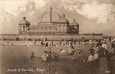 Pavilion, Beach sands