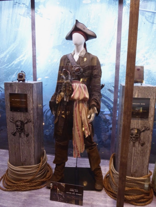 Pirates Caribbean Dead Men Captain Jack Sparrow costume