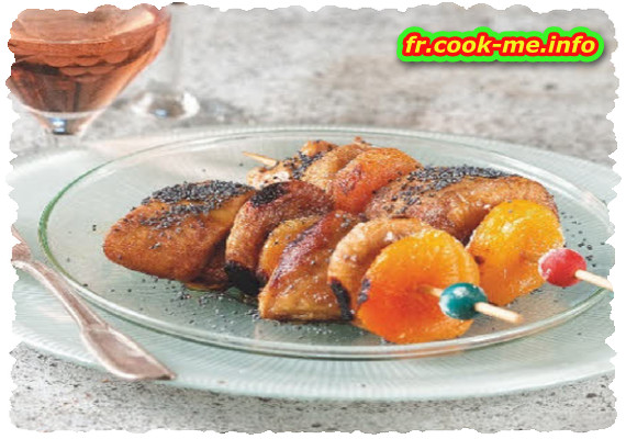 Brochette de foie gras aux abricots, figues et pavot