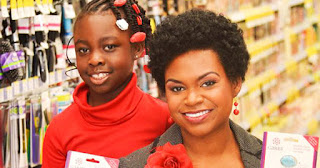 Rozalynn and Gabrielle Goodwin, founders of GabbyBows