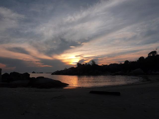 Sunsrise di pantai rambak