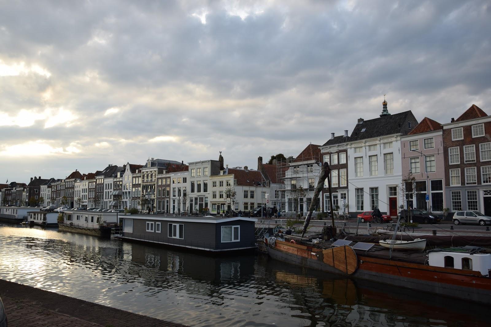 naj Holandia