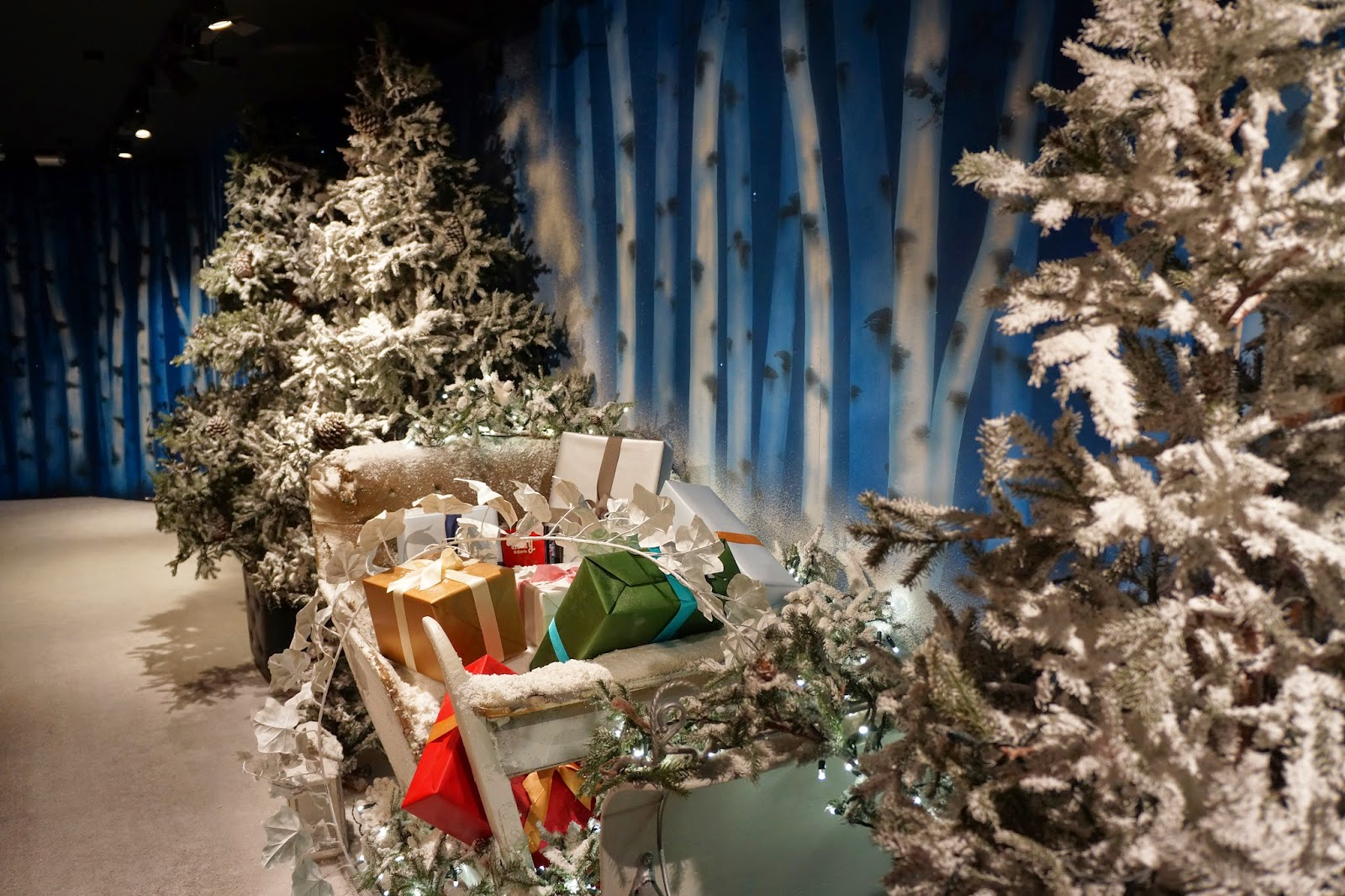 harrods christmas santa's grotto 2014 gift sleigh