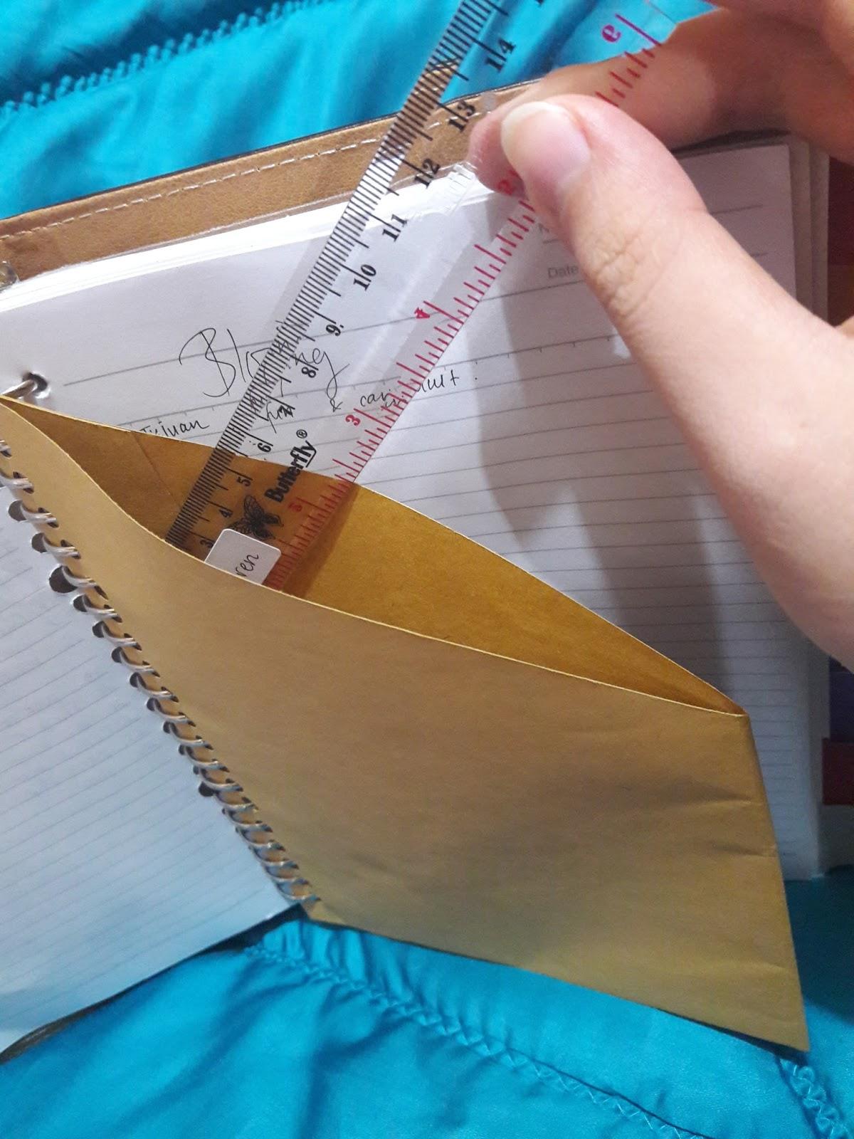 Binder Planer Accessories Sampul Buku Coklat Gambar Kantong Pembatas Ini Terbuat Dari Loh Caranya Bikin Amplop Tanpa Penutup Potong Miring Ujung Atas Ke Bagian Tengah