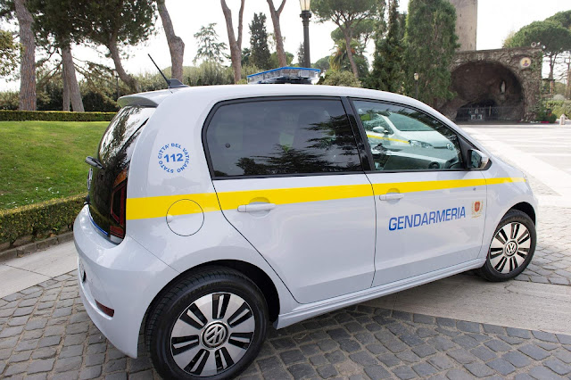 Polícia do Vaticano adota o Volkswagen e-Up!