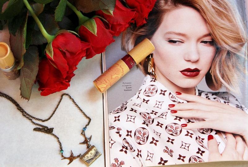 НОВИНКА: Стойкий насыщенный блеск для губ в оттенке #828 брусничный Couleur Caramel Long-Lasting lip gloss / отзывы