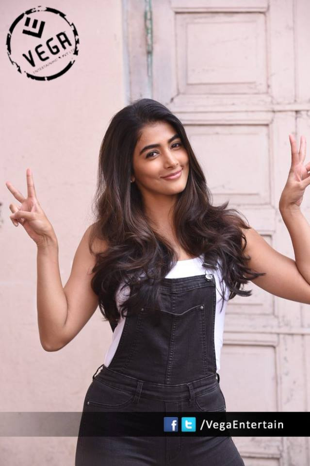 Pooja Hegde Hot Stills