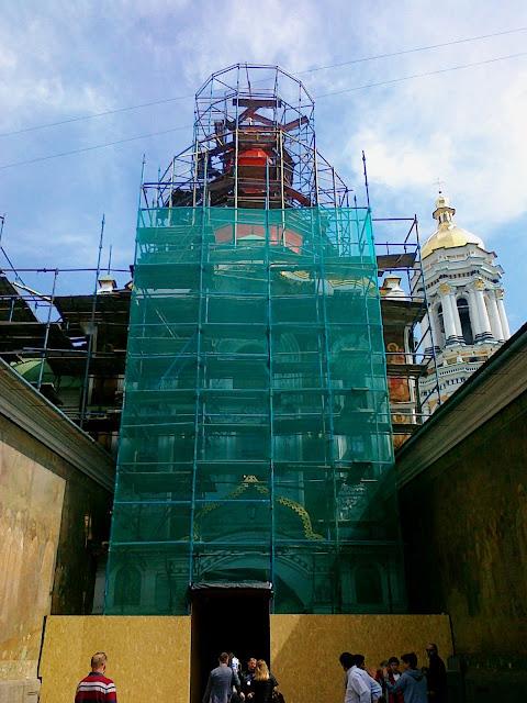Реконструкция надвратной церкви