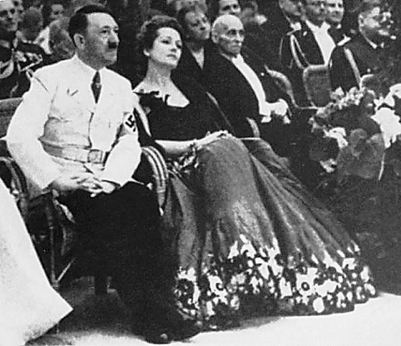 World War II in Pictures: Hitler's Women