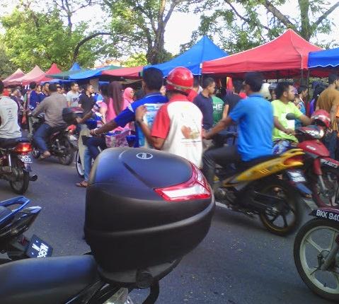 Budaya sakai orang melayu di bazar Ramadhan