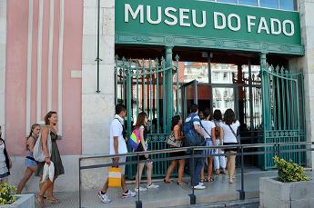Entrada al museo del Fado