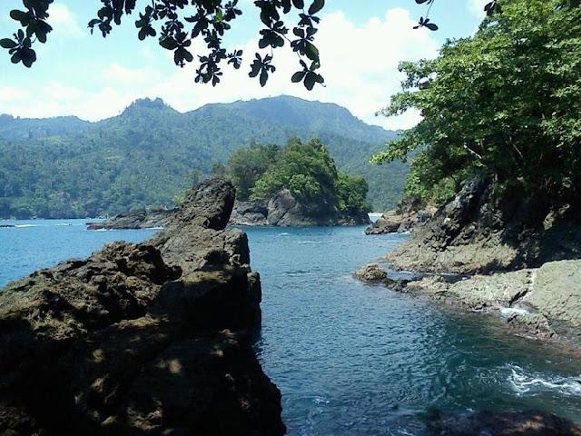 akcayatour, Pantai Banyu Anjlok, Travel Jogja Malang, Travel Malang Jogja