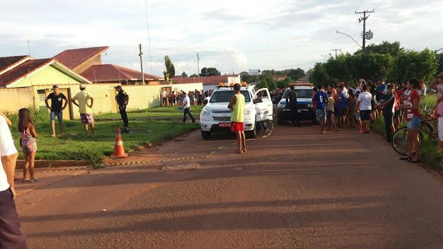 Motorista atropela três pessoas, matando uma e foge sem prestar socorro neste domingo em Rolim de Moura