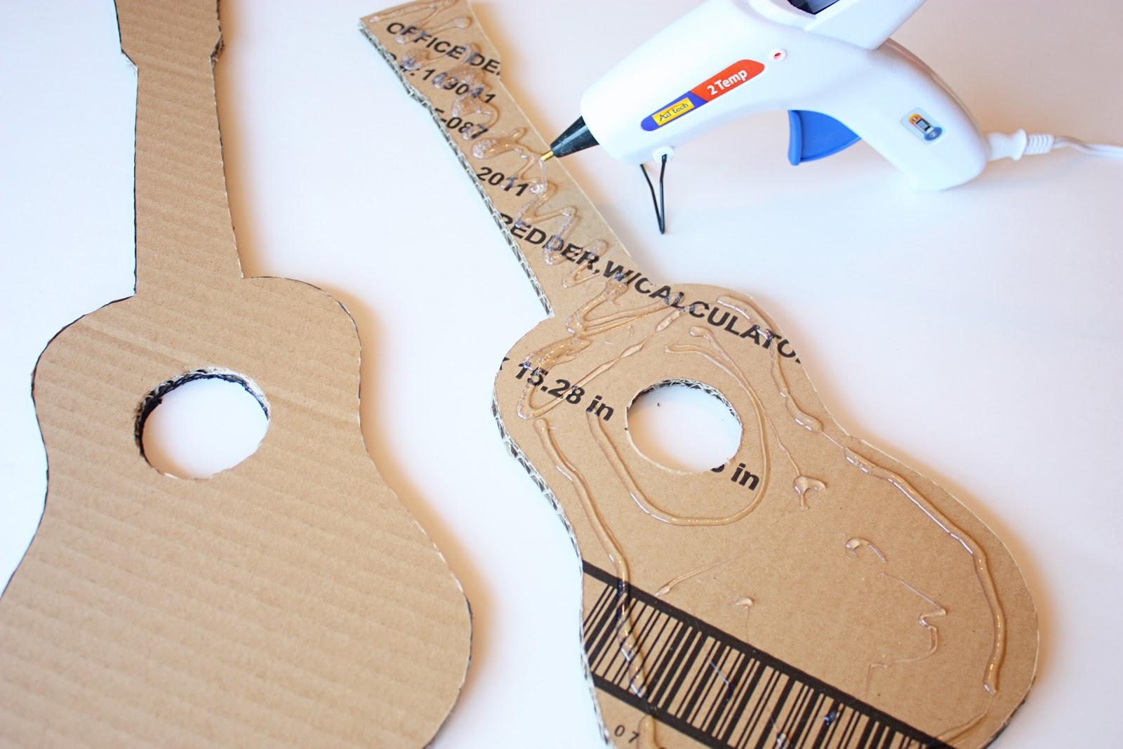آموزش ساخت صندوقچه مقوایی Make Your Own Playable Cardboard Guitars Apartment Therapy