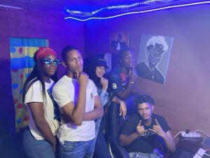 Titica feat. Neide Sofia x Uami Ndongadas e Paulelson - Está a Dominar (Prod. Teo no Beat) [DOWNLOAD 2020]