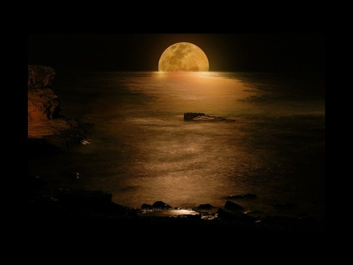 Muthu Rockzz: Beautiful Moon Light Pictures