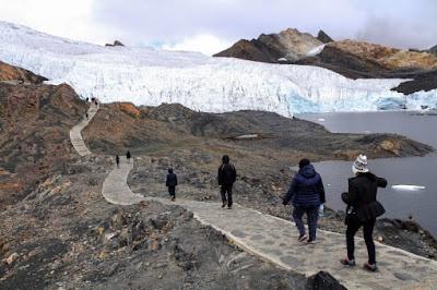 hikking Pastoruri, Pastoruri Glacier, Pastoruri Trek