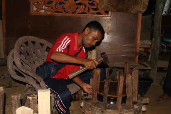 pembuatan rapa'i, alat musik tradisional aceh