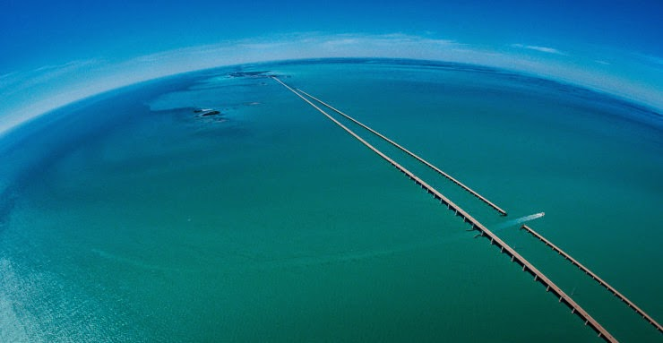 5. The Seven Mile Bridge, Florida, USA - Top 10 Scenic Rides