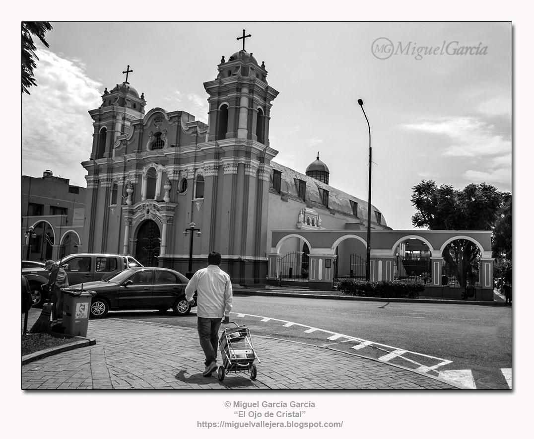 Iglesia de Santiago Apóstol. Surco Viejo, Lima (Perú)