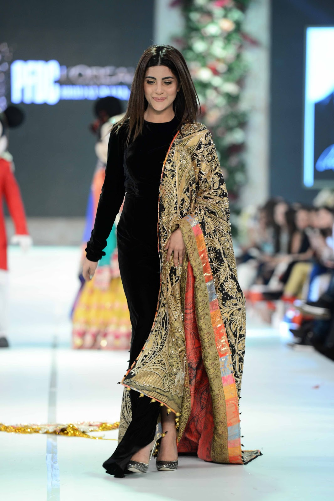Pakistan Fashion Bridal Couture Week at Lahore in HD Pictures