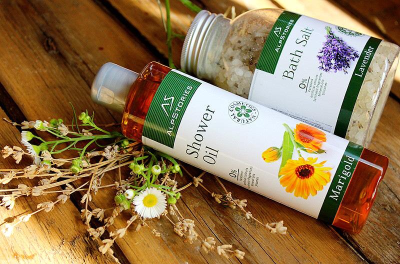 Отзыв: СПА-процедуры с AlpStories. Масло для душа с календулой и соль для ванны с лавандой. Shower Oil Marigold and Bath Salt Lavender.