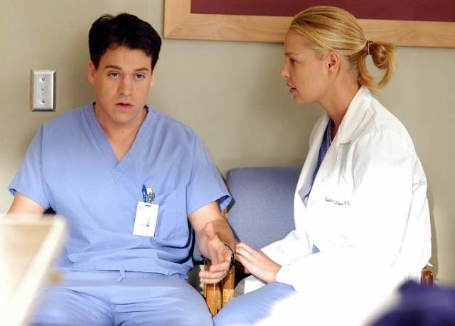 T.R. Knight en la serie de televisión Anatomía de Grey
