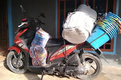 Bahaya tapi tetap dilakukan, bonceng tiga atau Angkut barang pakai motor