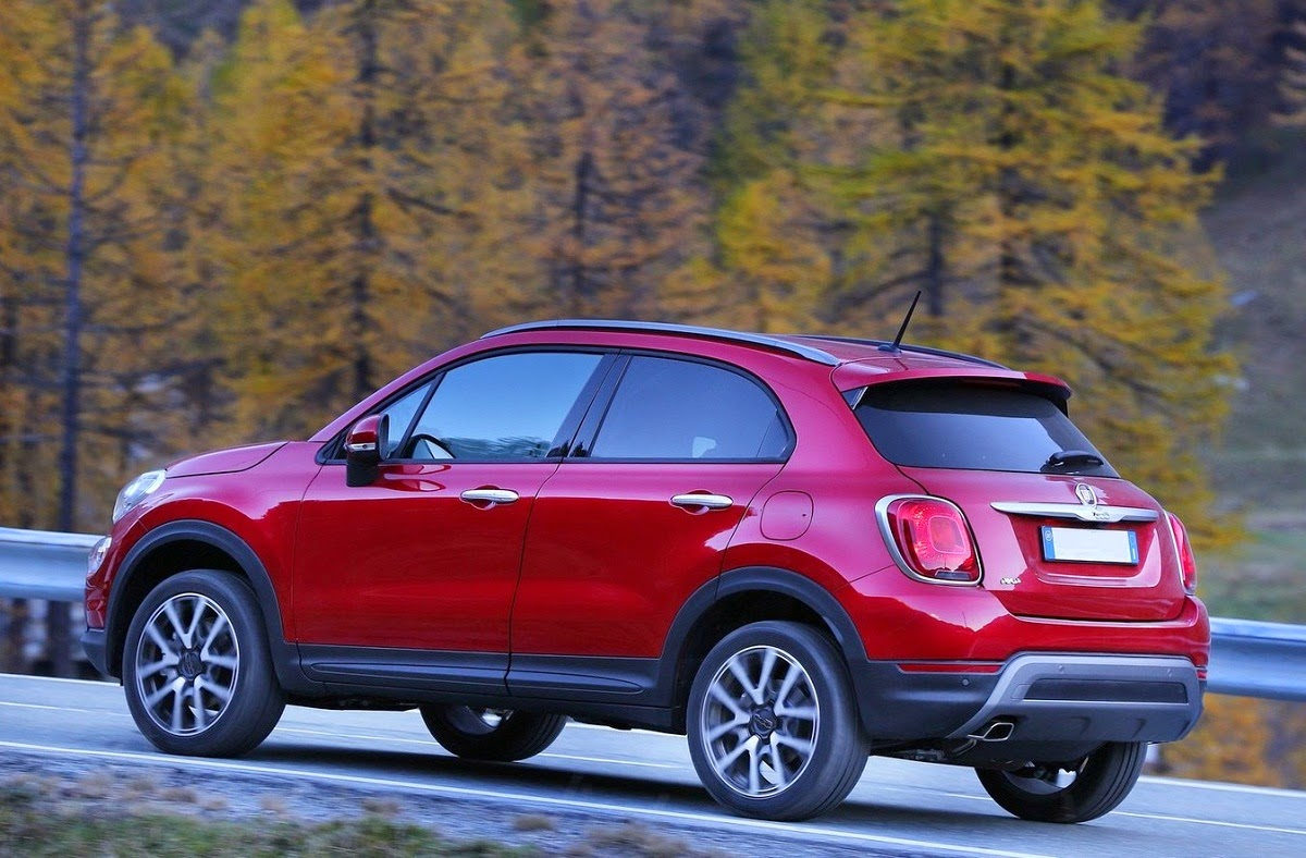 2015 fiat 500x uconnect live infotainment system car reviews new car pictures for 2018 2019. Black Bedroom Furniture Sets. Home Design Ideas