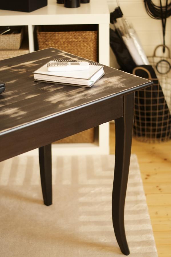 Blog + Fotografie by it's me! - fim.works - FotoBüro, schwarzer Schreibtisch mit Shabby Arbeitsfläche