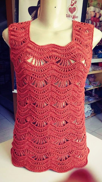 Beautiful crochet blouse with zig zag pattern