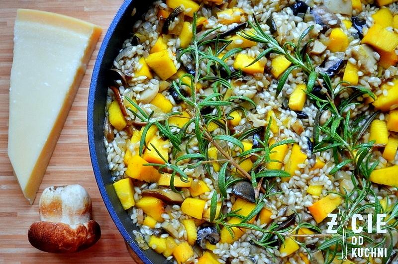 risotto, risotto z grzybami, risotto z grzybami i dynia, risotto z dynia, parmezan, danie z grzybami lesnymi, danie z ryzu, ryz, ryz arborio, zycie od kuchni