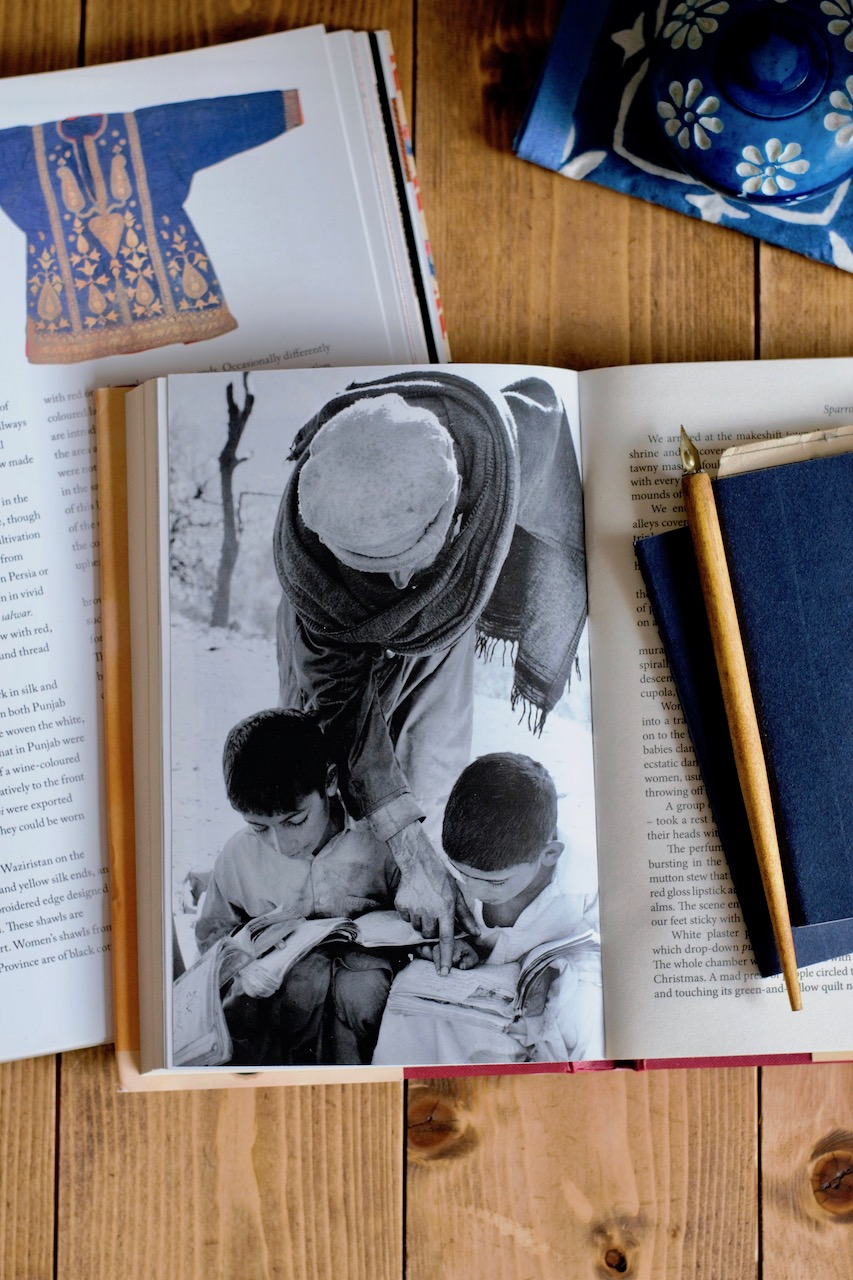 Ritdómur: Travels in a Dervish Cloak eftir Isambard Wilkinson · Lísa Hjalt