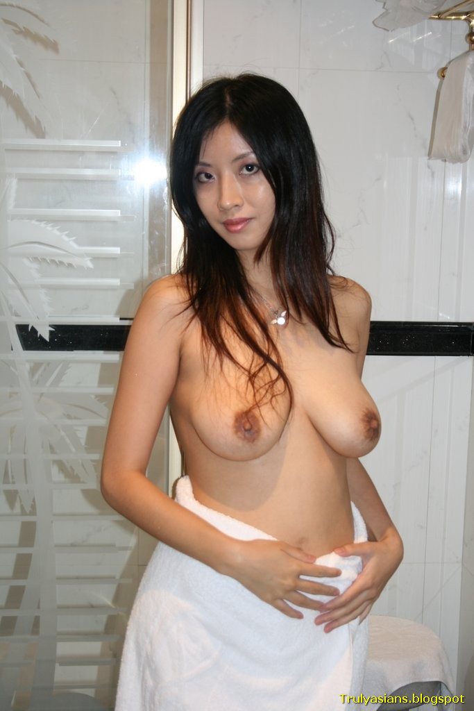 hong kong big tits model